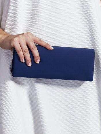 Satynowa gładka kopertówka z lusterkiem ciemnoniebieska