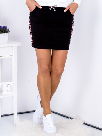 Spódnica czarna z lampasami tricolor