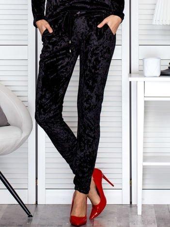 Spodnie dresowe czarne z weluru
