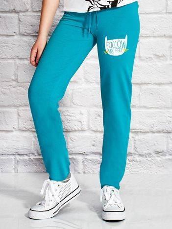 Spodnie dresowe dla dziewczynki FOLLOW MY FEET zielone