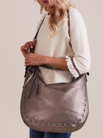 Srebrna miękka torba z kolorowym paskiem