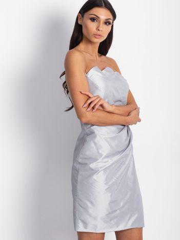 Srebrna sukienka koktajlowa z marszczeniami PLUS SIZE