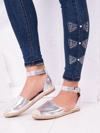 Srebrne espadryle Best Shoes z eco skóry z nitami