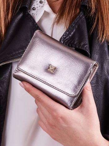 Srebrny damski portfel z ekoskóry