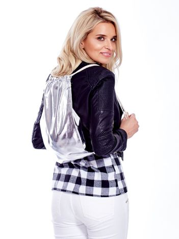 Srebrny metaliczny plecak worek
