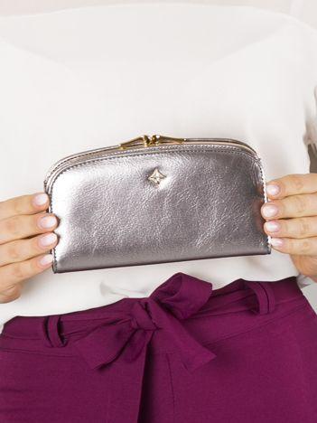 Srebrny skórzany portfel do ręki