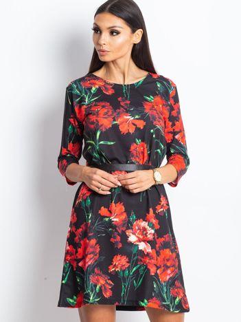 Sukienka czarna prosta w czerwone kwiaty