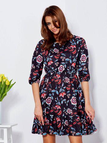 Sukienka czarna w kwiatowe wzory