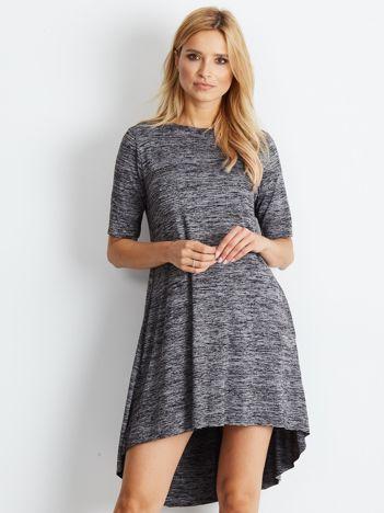Sukienka czarna z dłuższym tyłem