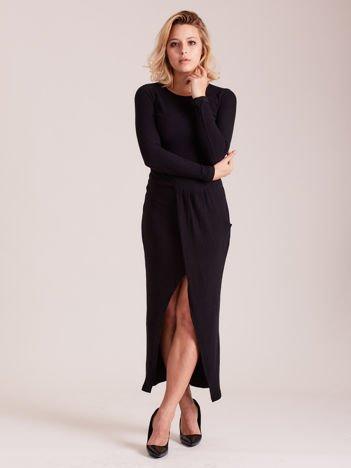 Sukienka czarna z drapowaniem