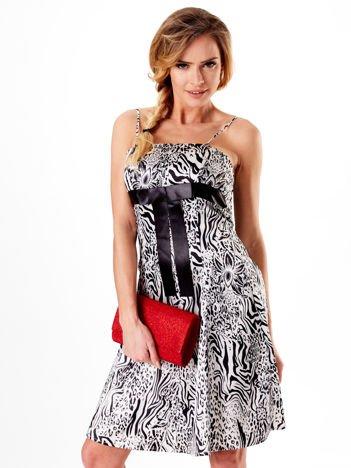 Sukienka czarno-biała w zebrę