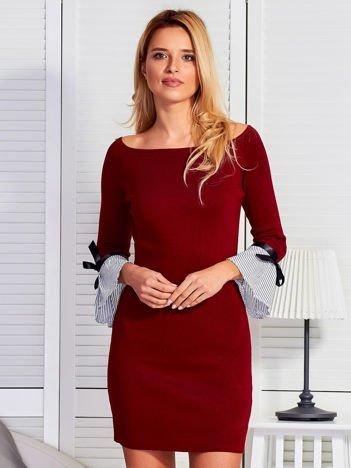 Sukienka damska z kokardkami na rękawach bordowa