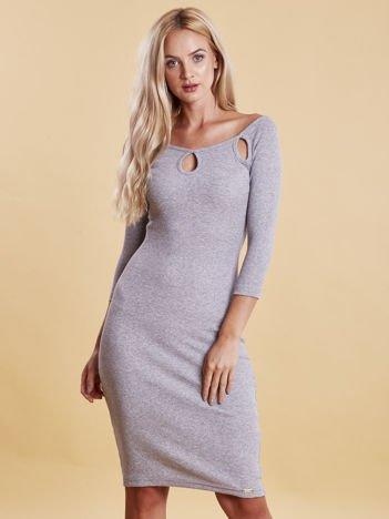 Sukienka jasnoszara prążkowana z wycięciami