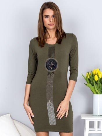 Sukienka khaki z pionową aplikacją