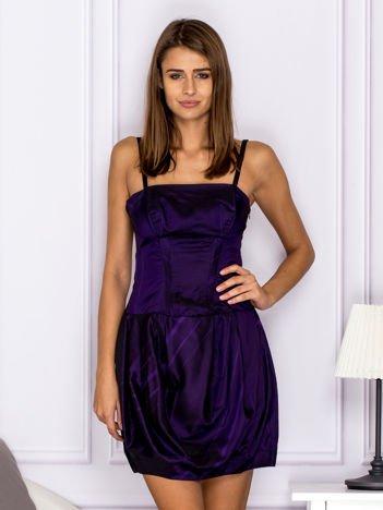 Sukienka koktajlowa gorsetowa z plisami ciemnofioletowa