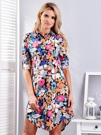 Sukienka koszulowa w kolorowe roślinne desenie
