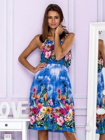 Sukienka letnia w kolorowe kwiaty niebieska