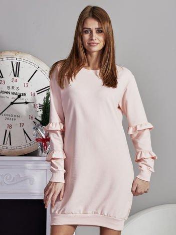 Sukienka z falbankami na rękawach różowa