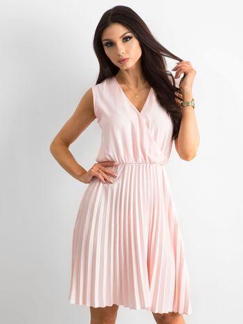 Sukienka z kopertowym dekoltem różowa