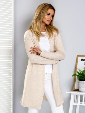 Sweter beżowy z ażurowym tyłem