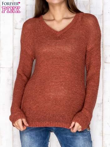 Sweter damski bordowy o szerokim splocie