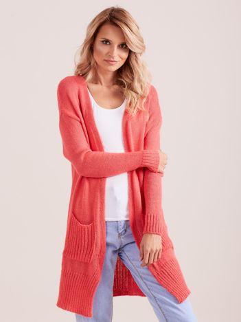 Sweter damski z kieszeniami koralowy