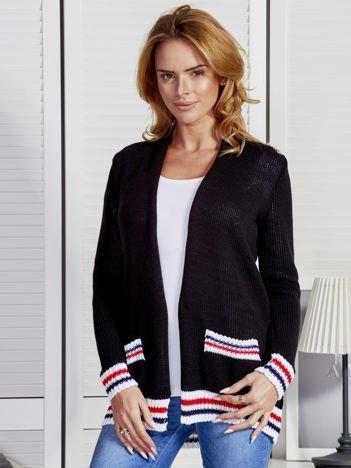 Sweter damski z trójkolorowym wykończeniem czarny