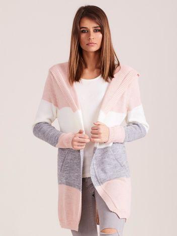 Sweter w pasy z kapturem różowy