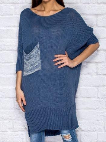 Sweter z wycięciem i wstążką niebieski