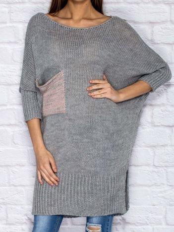 Sweter z wycięciem i wstążką szary