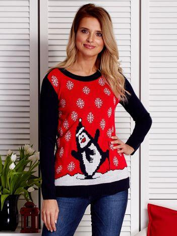 Świąteczny sweter damski z pingwinem i śniegiem granatowo-czerwony