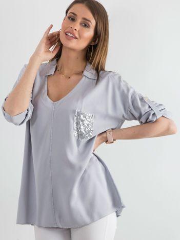 Szara bluzka damska z cekinową kieszenią