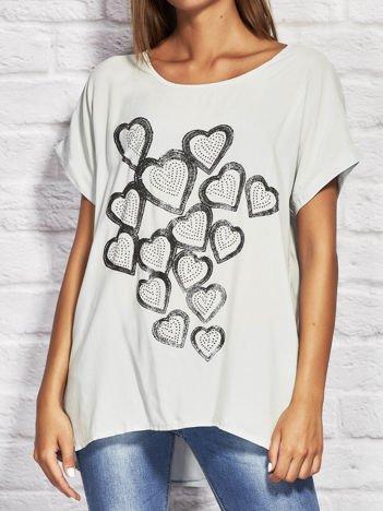 Szara bluzka z biżuteryjnymi sercami