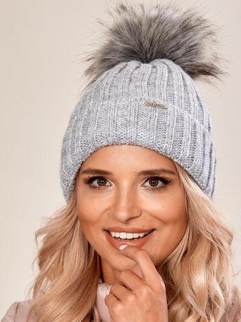 Szara damska czapka na zimę