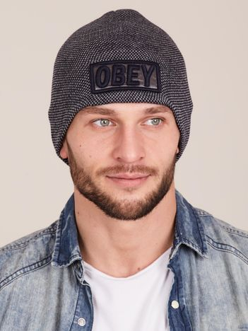 Szara męska czapka z naszywką