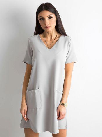 Szara sukienka damska z kieszeniami
