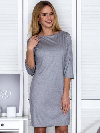 Szara sukienka w drobny deseń