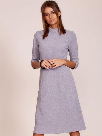 Szara sukienka z półgolfem