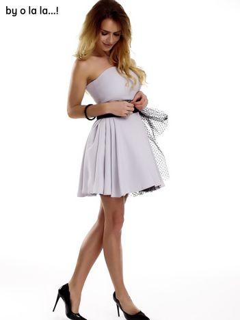 Szara sukienka z tiulowym wiązaniem BY O LA LA