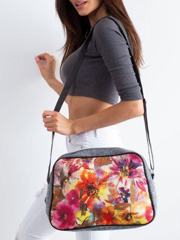 Szara torba filcowa w kwiaty
