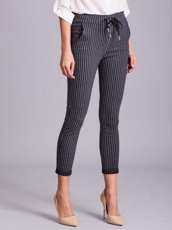 Szare damskie spodnie w paski