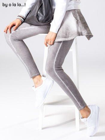Szare dekatyzowane spodnie dresowe BY O LA LA