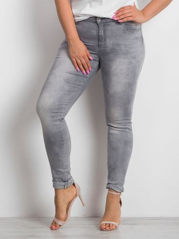 Szare jeansy plus size Clearly