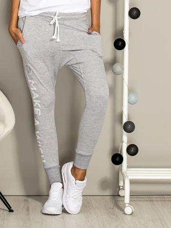 Szare spodnie dresowe MAKE A WISH