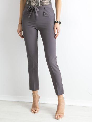 Szare spodnie z wiązaniem