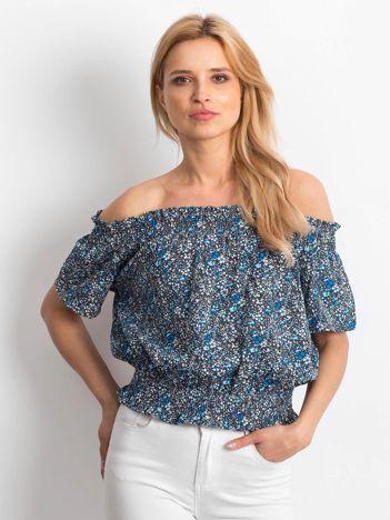 Szaro-niebieska bluzka hiszpanka w drobny kwiatowy wzór