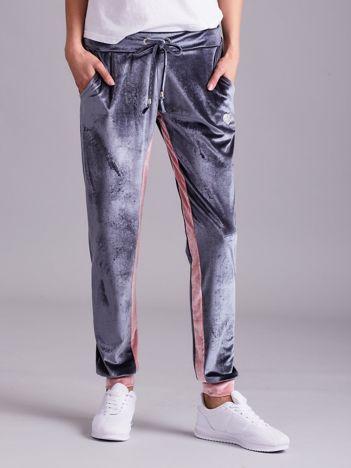 Szaro-różowe welurowe spodnie dresowe