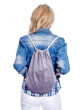 Szary plecak worek welurowy ze sznurkami