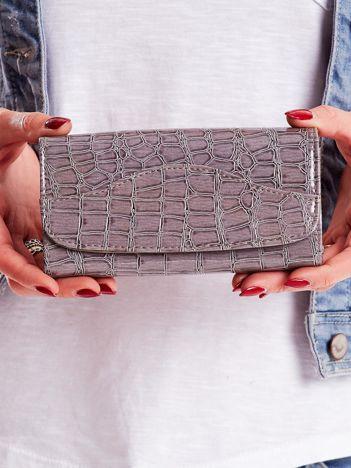 Szary portfel damski z tłoczonym zwierzęcym motywem