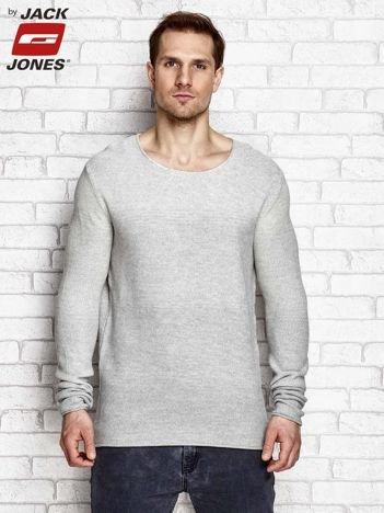 Szary sweter męski w strukturalny wzór